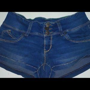 GREAT DEAL! YMI 3 - button short jean shorts.